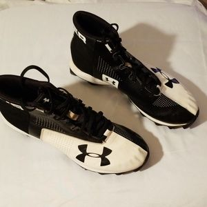 Underarmour cleats shoes